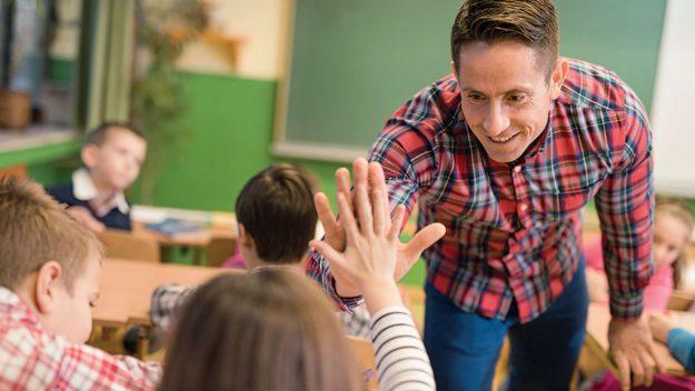 CAPACITÀ DI RELAZIONE E COMUNICAZIONE EFFICACE IN CLASSE